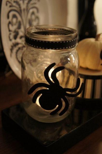 Mason-Jar-Halloween-Decor