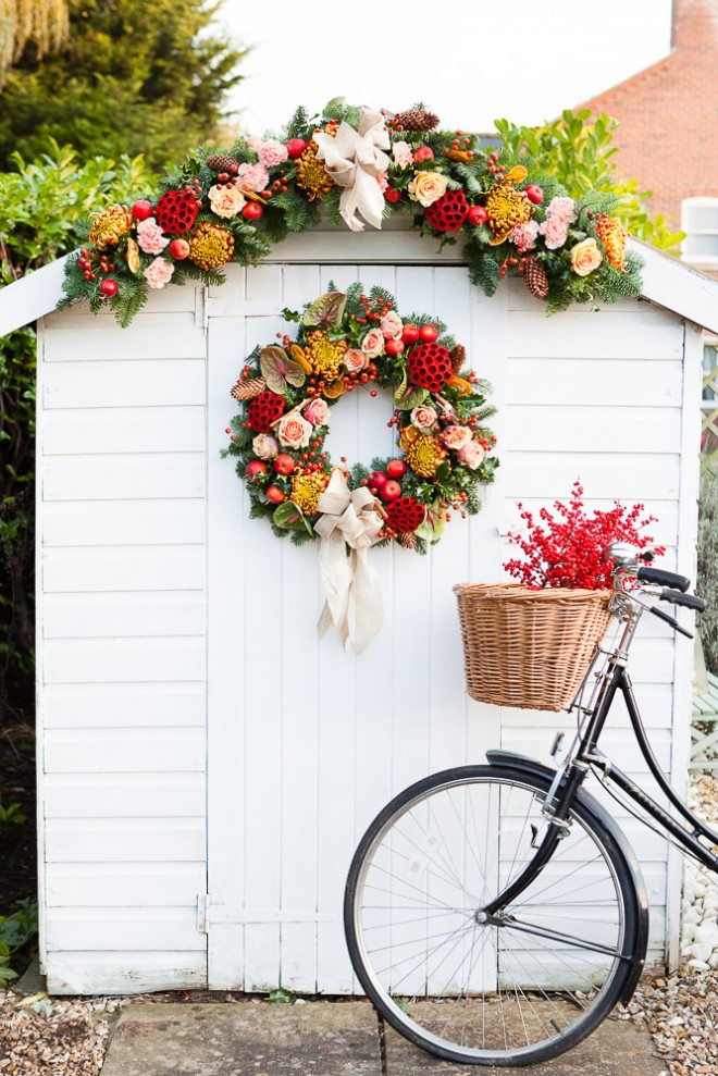 Natural Traditional Christmas Wreath Thewowdecor