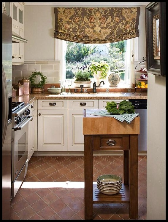Small-Traditional-Kitchen-Designs