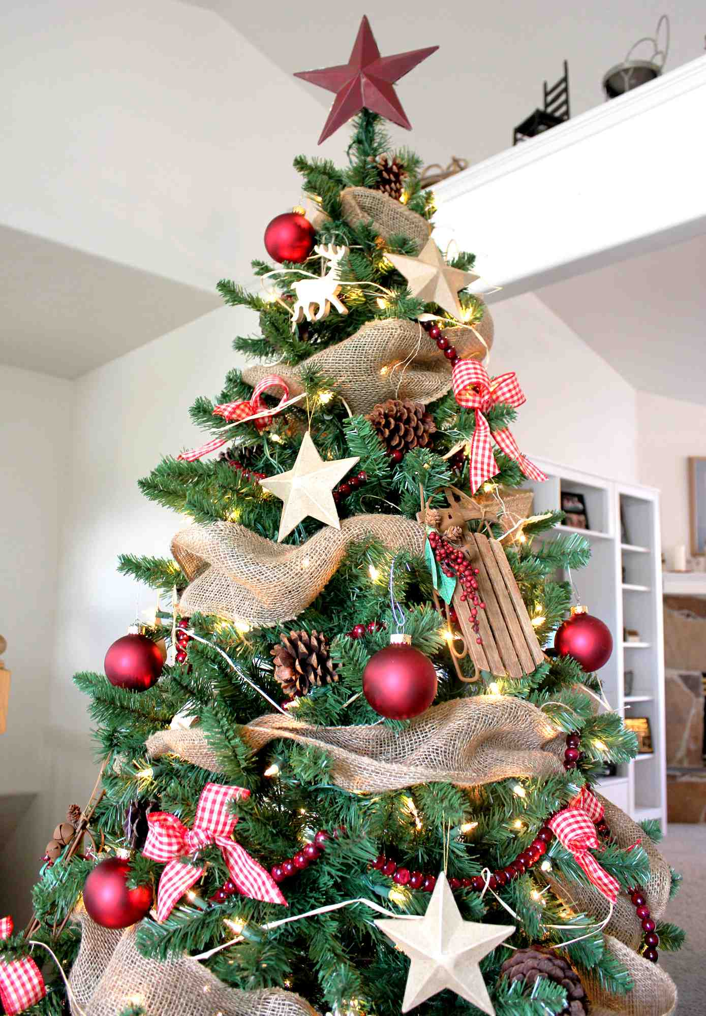 Stars And Bulb Christmas Tree Decoration Thewowdecor