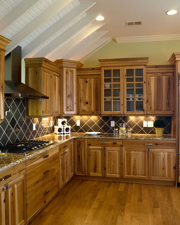 Traditional-Kitchen-Ideas-with-Hickory-Cabinets