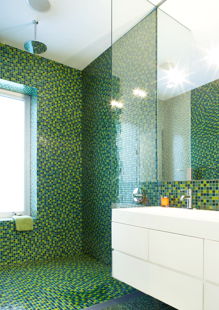 contemporary-bathroom-green