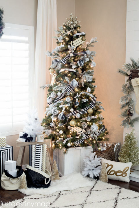 Best Decorated Christmas Trees 2017 (12)