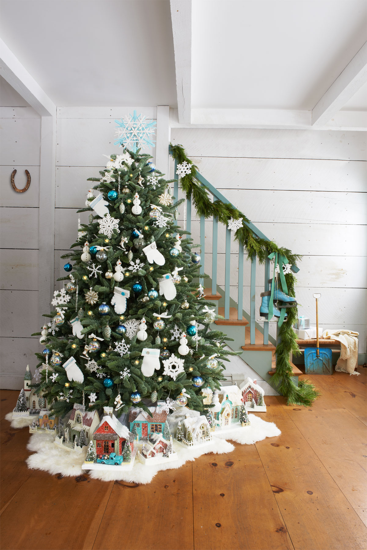 Best Decorated Christmas Trees 2017 (18)