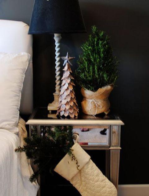 Christmas Bedroom Decor Ideas thewowdecor (18)