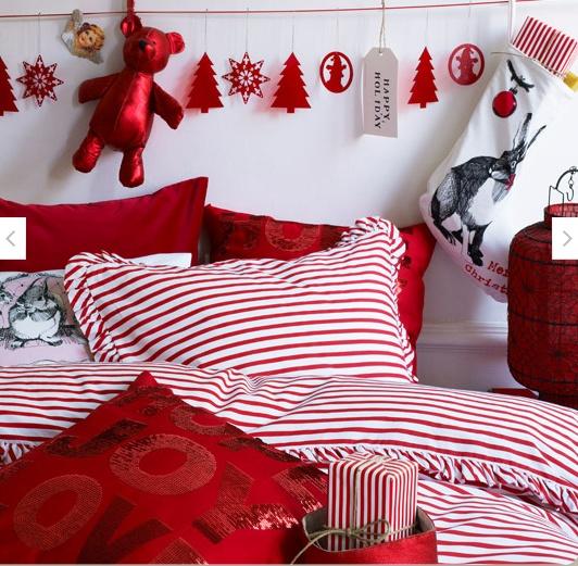 Christmas Bedroom Decor Ideas thewowdecor (20)