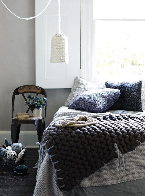 Christmas Bedroom Decor Ideas thewowdecor (38)