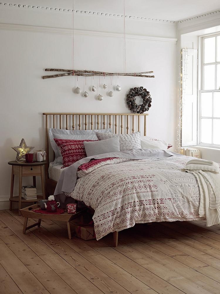 Christmas Bedroom Decor Ideas thewowdecor (43)