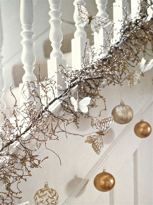 Christmas Stairs Decoration Ideas thewowdecor (21)
