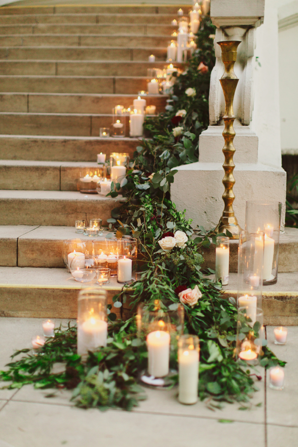 Christmas Stairs Decoration Ideas thewowdecor (24)