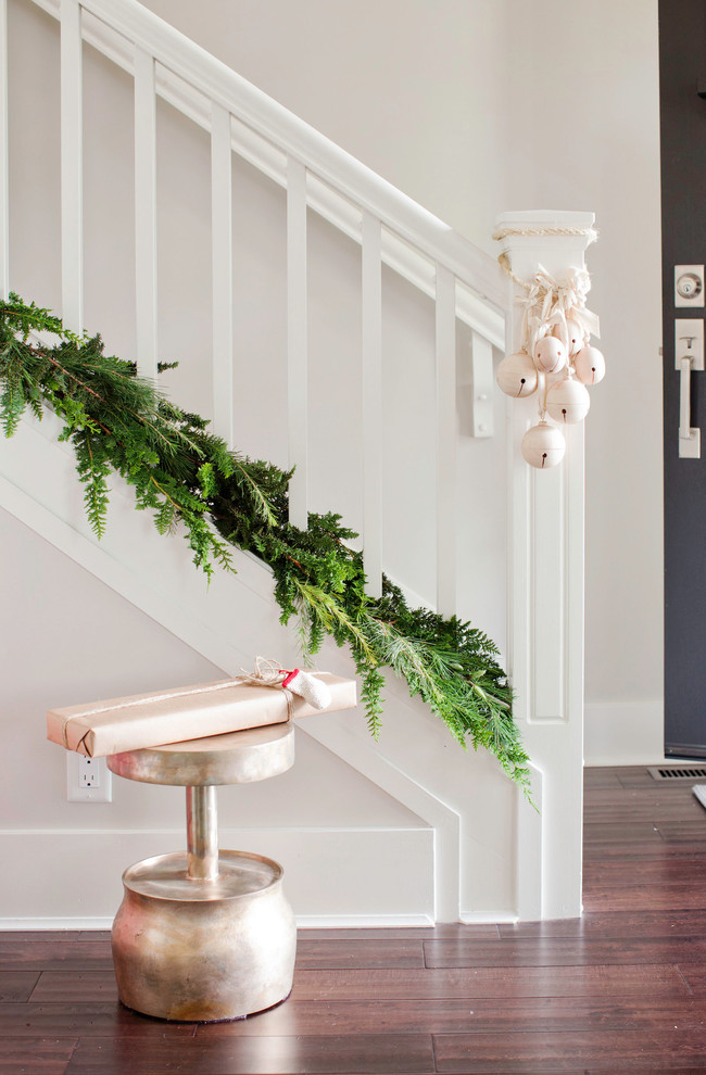 Christmas Stairs Decoration Ideas thewowdecor (5)