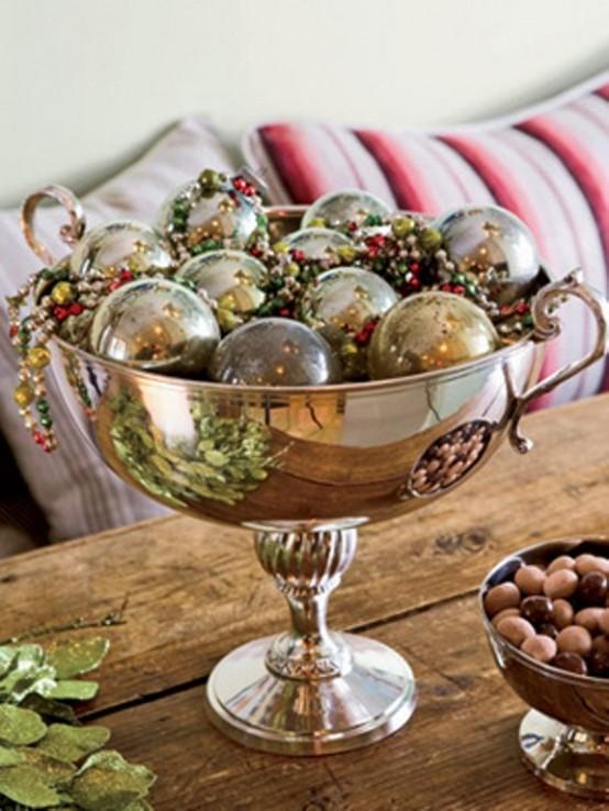 Christmas Table Centerpiece Ideas thewowdecor (4)