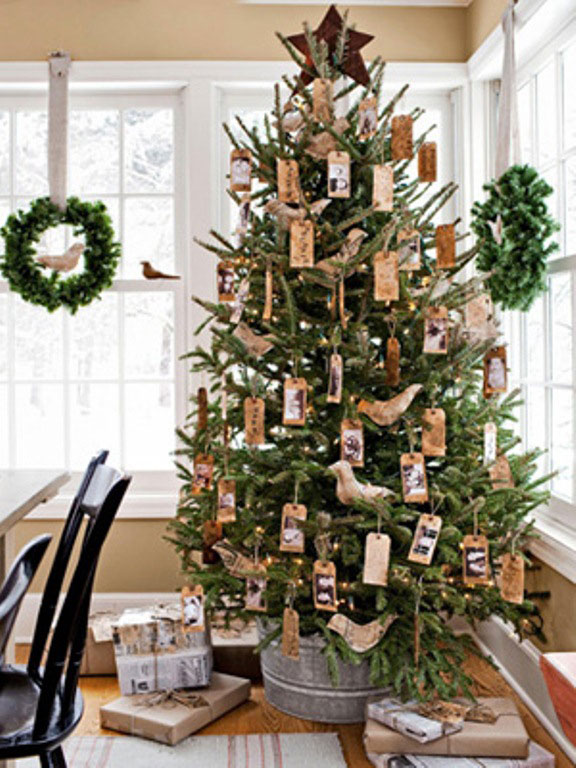 Country Christmas Tree Decorating Idea Design