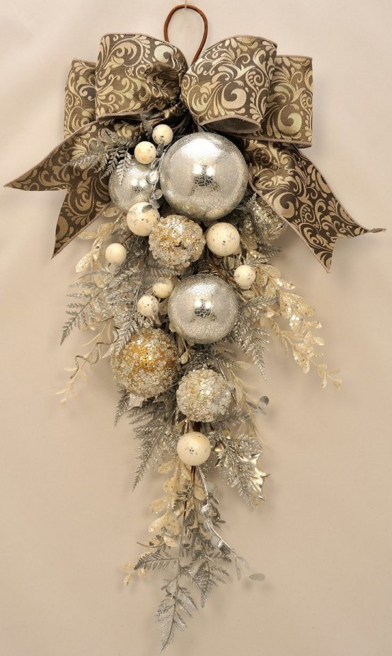 Gold Christmas Decoration Ideas (14)