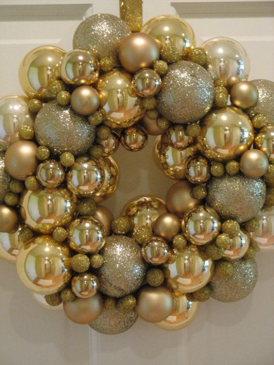 Gold Christmas Decoration Ideas (23)