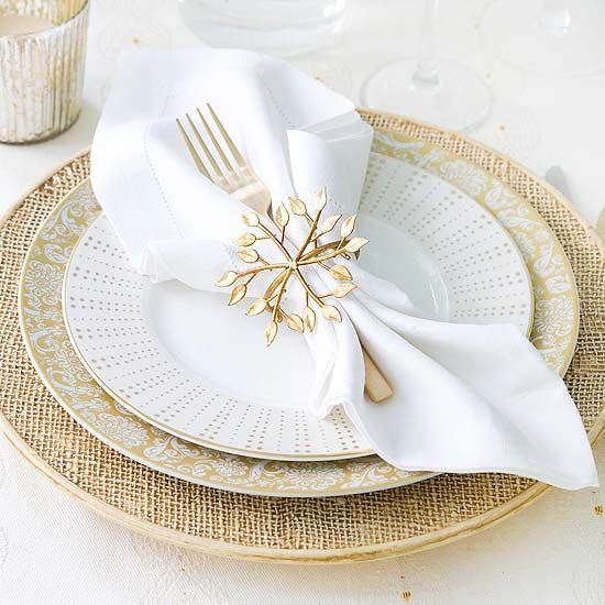 Gold Christmas Decoration Ideas (34)