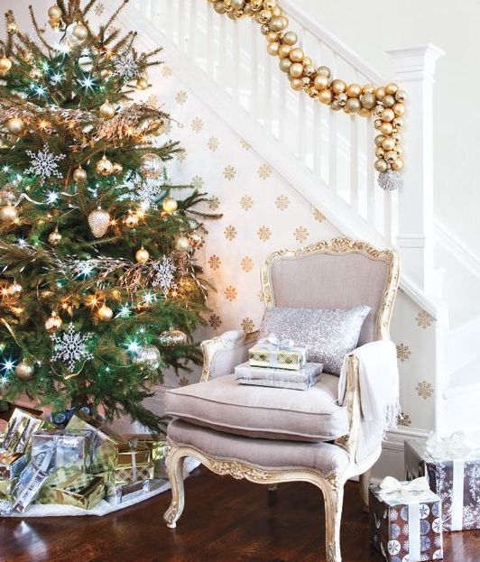 Gold Christmas Decoration Ideas (9)