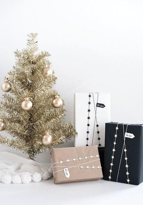 Modern Christmas Tree Ideas (15)