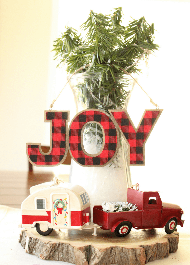 Plaid and a Little Red Pickup thewowdecor