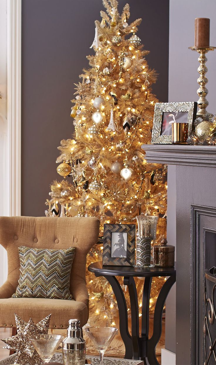 Gold Christmas Decor Ideas (1)