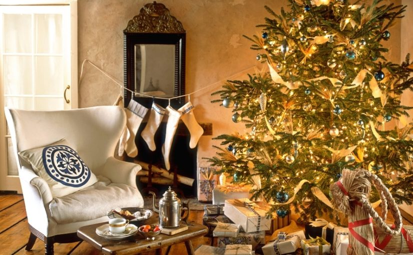 30 Best Gold Christmas Decoration Ideas