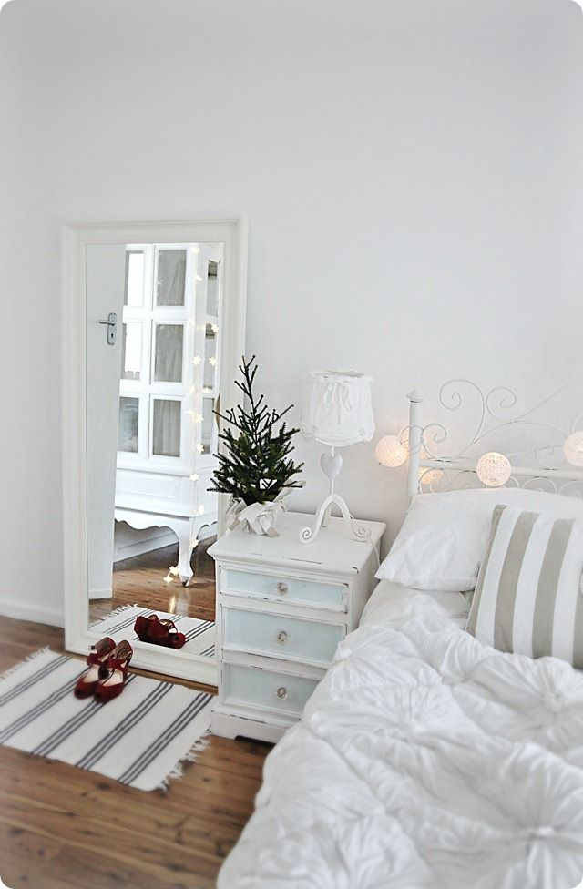 white christmas bedroom decor