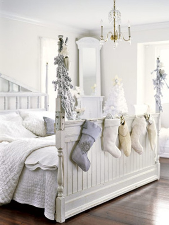 White Christmas Bedroom Decoration