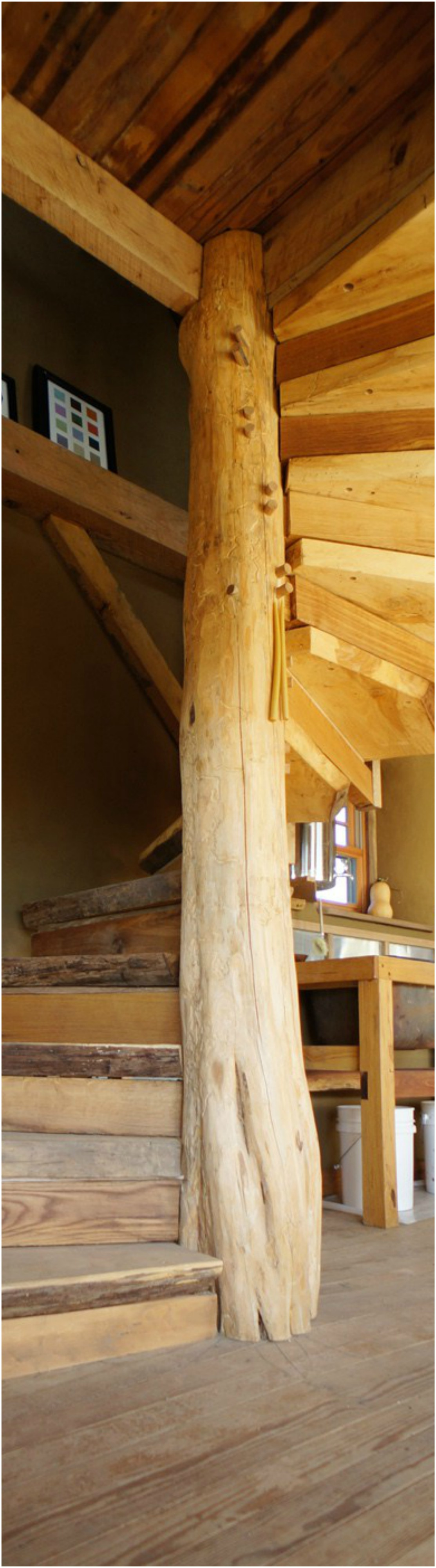 Wooden Spiral Staircase (25)