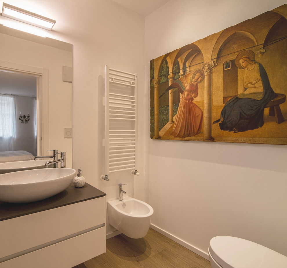 traditional-powder-room-design