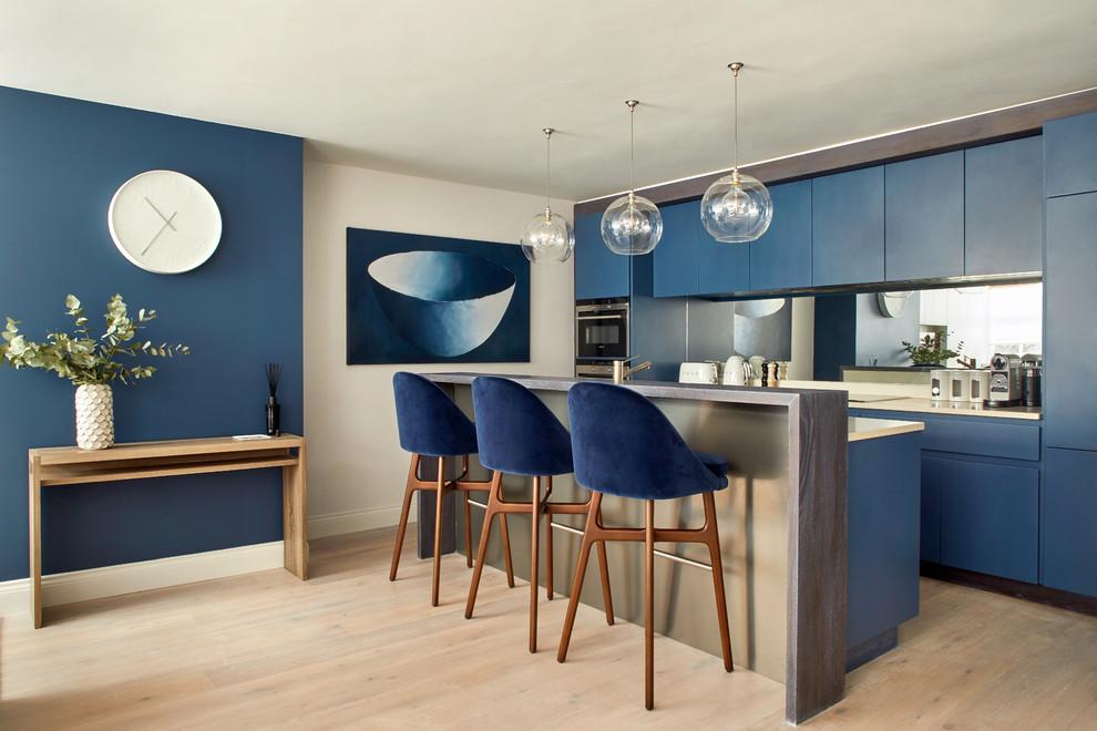 Bright European Style Kitchen Thewowdecor