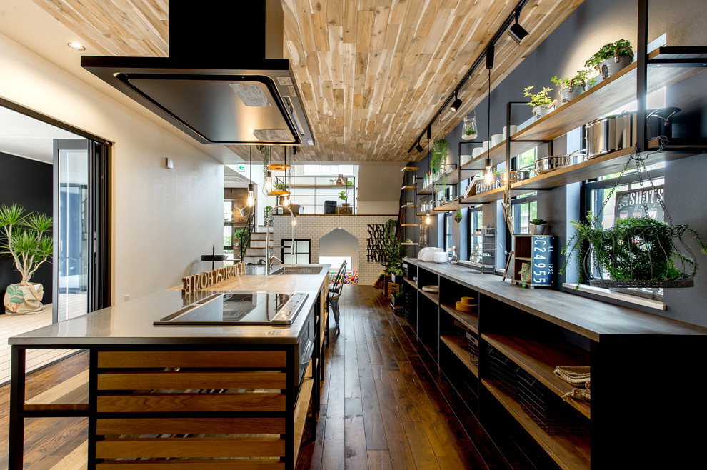 industrial-kitchen-reclaimed-wood