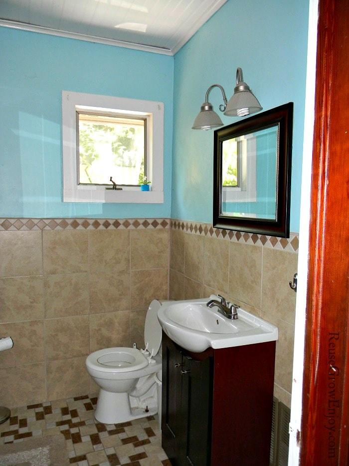 Frugal-DIY-Bathroom-Remodel