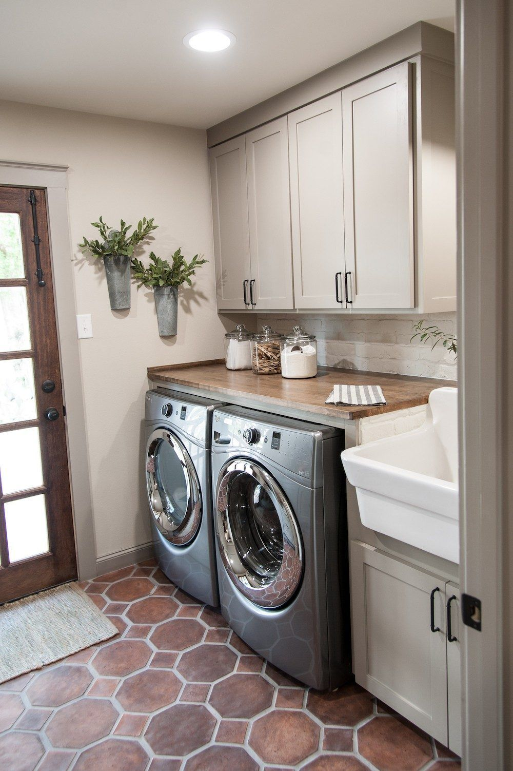 Laundry Room (5)