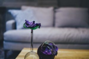 8 Creative Items to Place in Side Tables and Coffee Tables