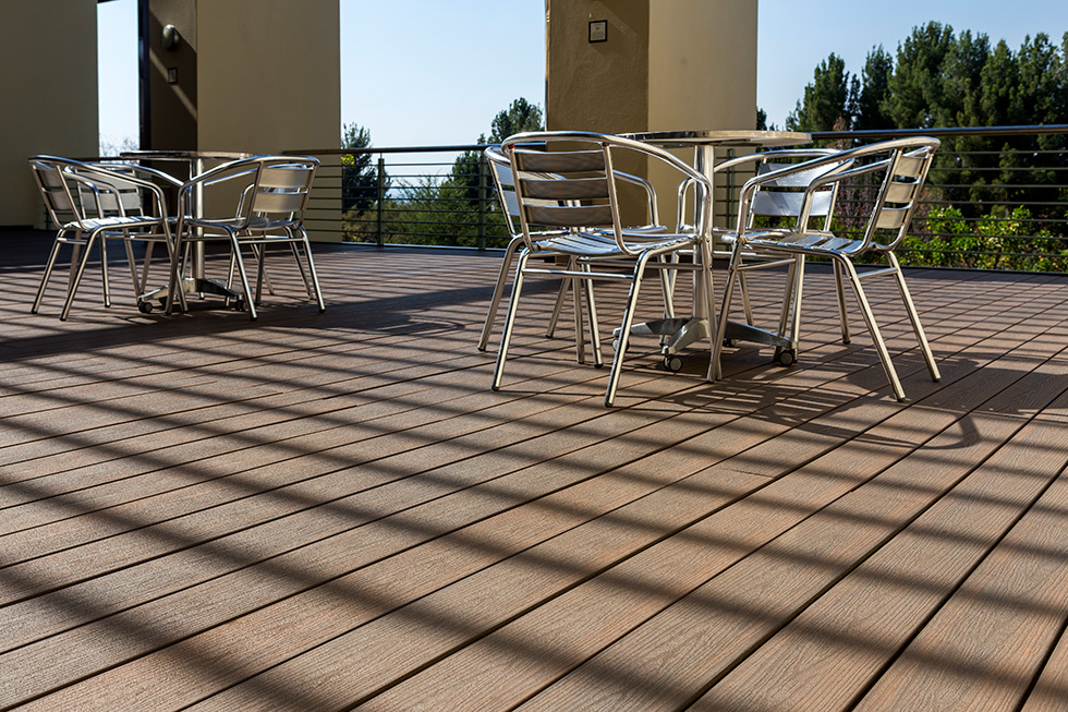 Composite decking still looks like real wood