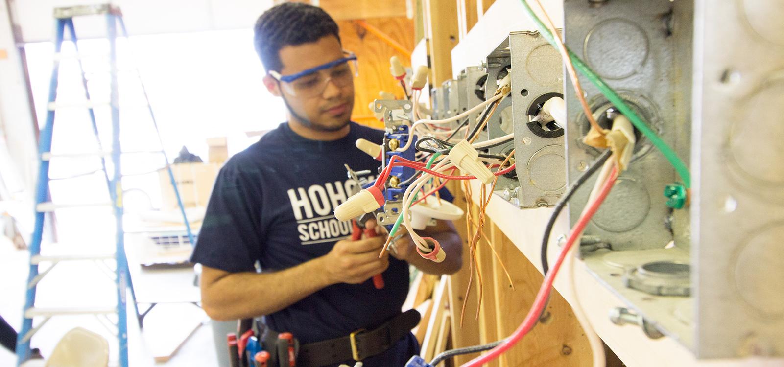 photo-header-program-electrician-training-hohokus-school-eastwick-college