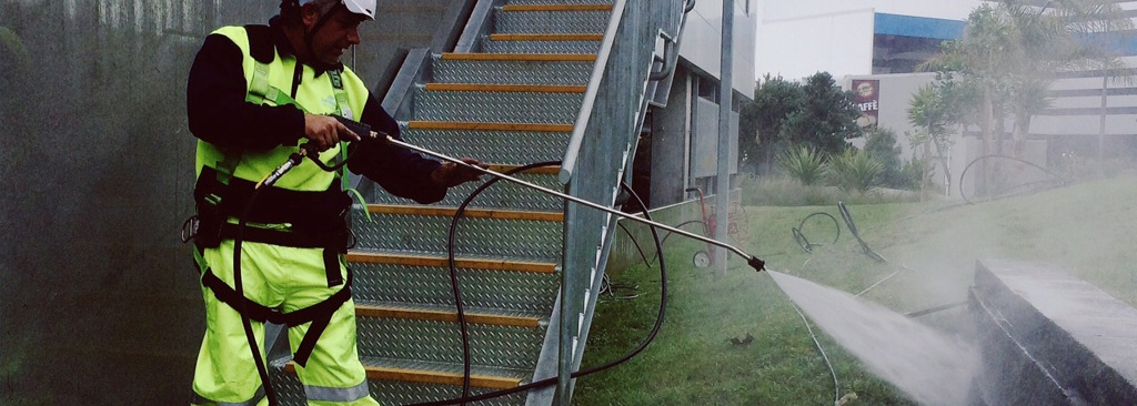 Advantages of water blasting Auckland
