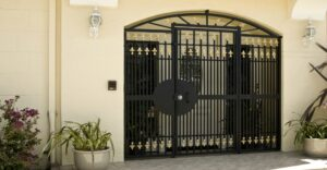 9 Key Factors to Consider When Choosing a Gate for Your Home