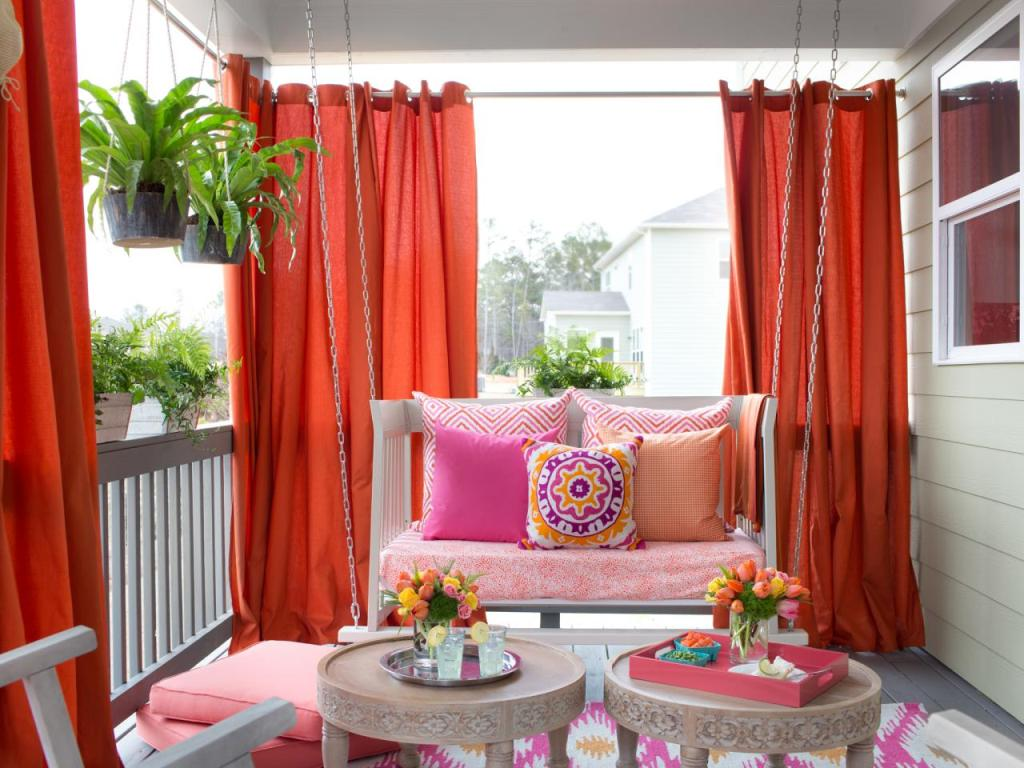 Usage of Outdoor Blinds with Curtains