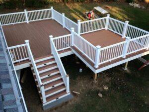 Should You Hire a Professional Deck Builder?