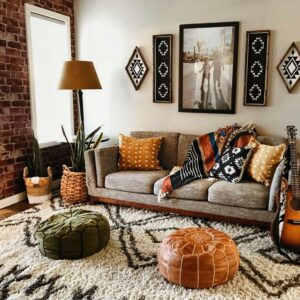 How to Decorate a Small Apartment to Create More Space