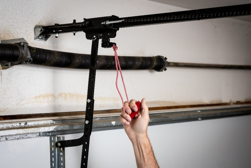 Preparing Your Door For Manual Operation