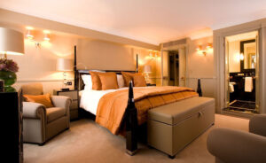 Simple Ways To Transform Your Bedroom Into A Luxury Space