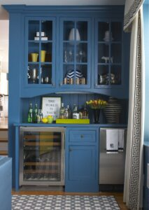 Great Reasons to Have a Bar Built in Your Home