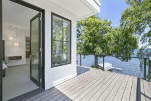 Are Glass Deck Railings Making a Comeback?