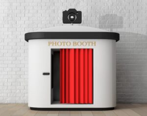9 Gorgeous Wedding Photo Booth Ideas That'll Wow Your Guests