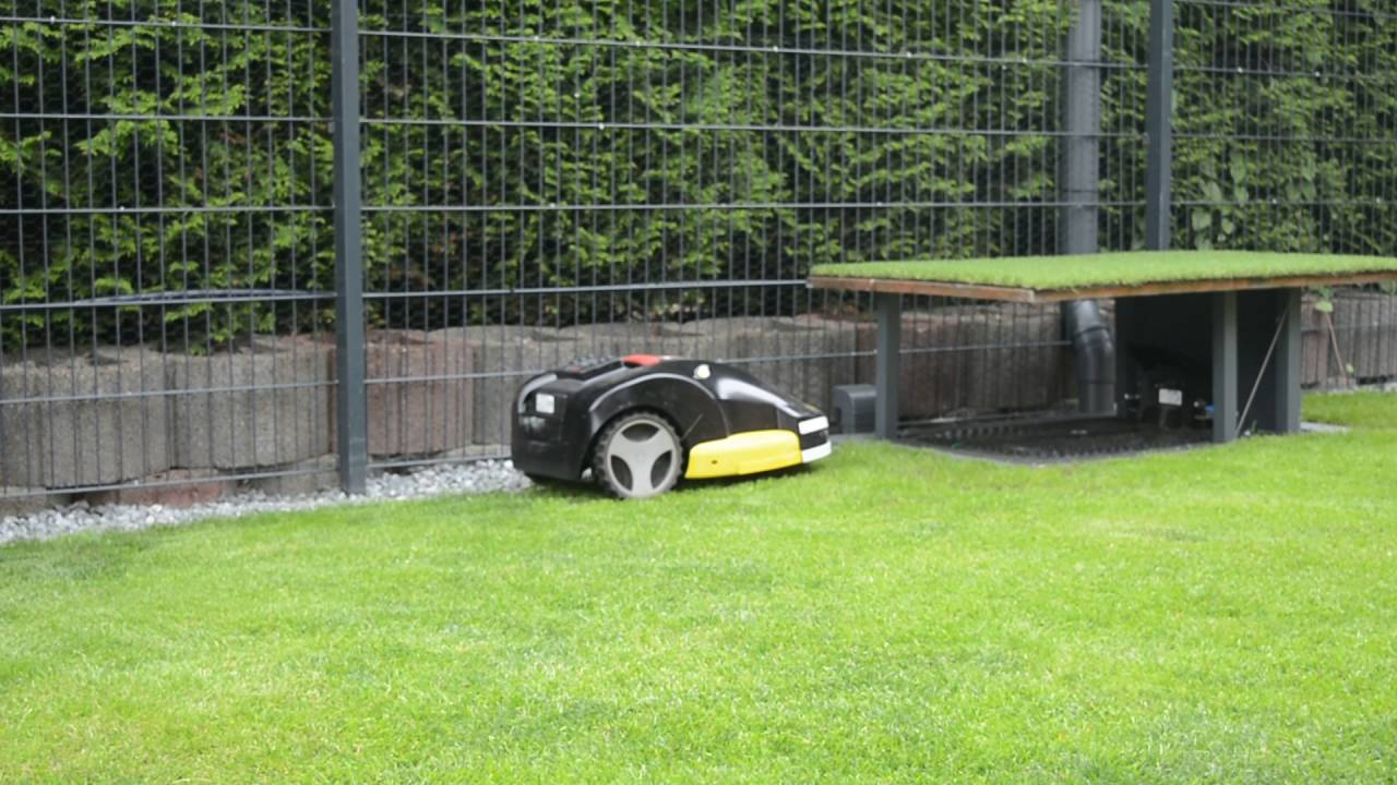 Carport garage till robotgräsklippare