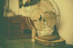 5 Amazing Benefits of the Retro Table fan