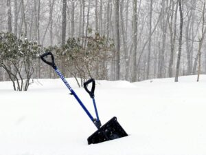Why You May Need An Ergonomic Snow Shovel