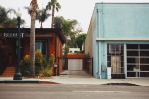 Choosing The Best Gate For Your Alleyway